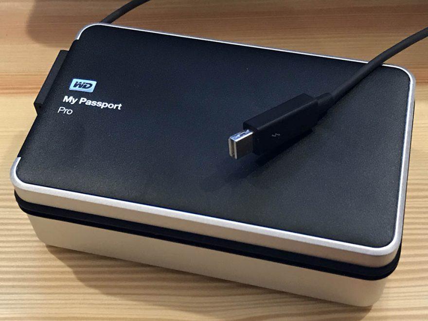 WD HDD ポータブルハードディスク 4TB My Passport Pro for Mac WDBRNB0040DBK-JESN Thunderbolt/RAID0,1/タイムマシン/3年保証